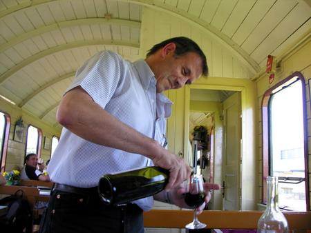 Auch den Wallisern schmeckts - Weindegustation im Zug